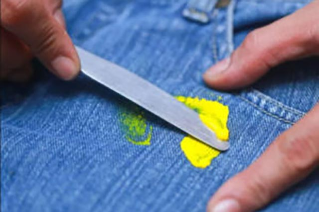 Как избавиться от жирных пятен от лизуна или слайма эффективные способы
